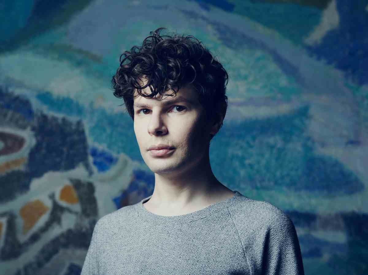 A much slimmer Simon Amstell