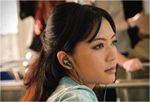 Image of Bose QuietComfort 20 being worn